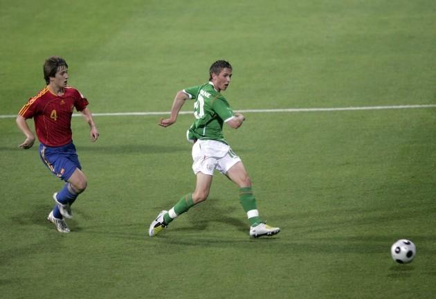 Conor Hourihane of Ireland scores