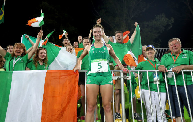 Natalya Coyle celebrates finishing 7th with friends and family