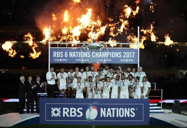 England's team lift the RBS 6 Nations Trophy with Dylan Hartley