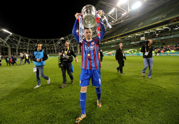 Keith Fahey celebrates with The FAI Ford Cup