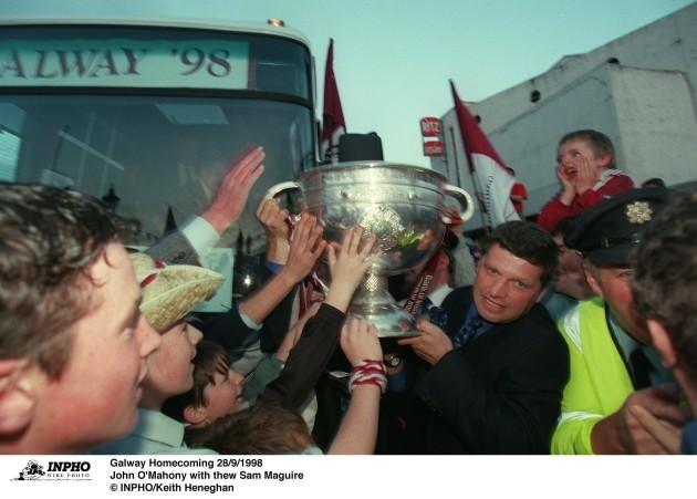 John O'Mahony with the Sam Maguire 28/9/1998
