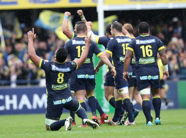Clermont Auvergne's celebrate at the end of the match