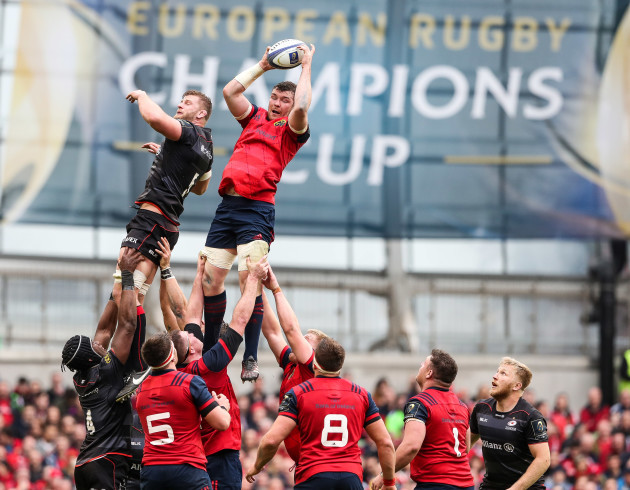 Peter O'Mahony wins a lineout ahead of George Kruis