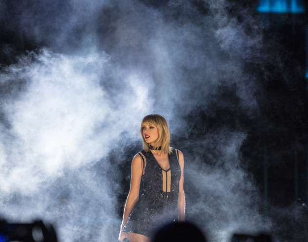 Taylor Swift Performs - Texas