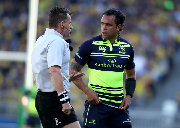 Nigel Owens speaks to Isa Nacewa