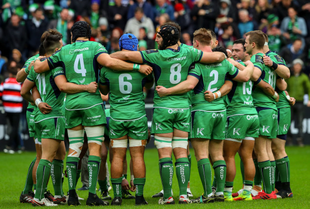The Connacht team huddle