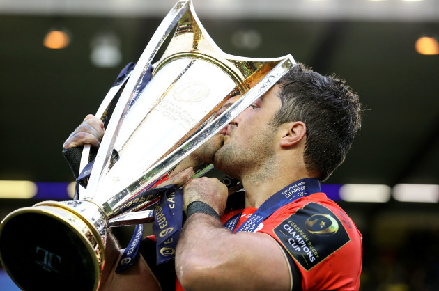 Brad Barritt celebrates with the trophy