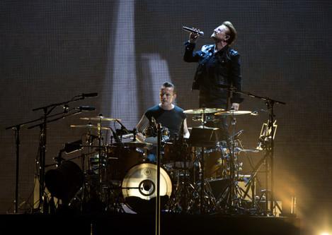 U2 in Concert - Pasadena