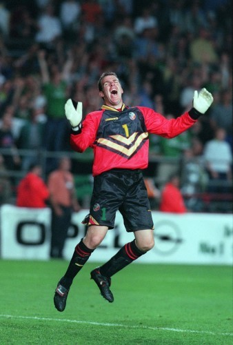 Alan Kelly celebrates 1/9/1999