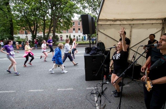 Entertainment along the route for the participants in the 2017 VHI Women's Mini Marathon
