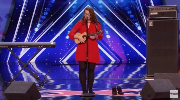 Deaf singer wows crowd, judges on 'America's Got Talent'