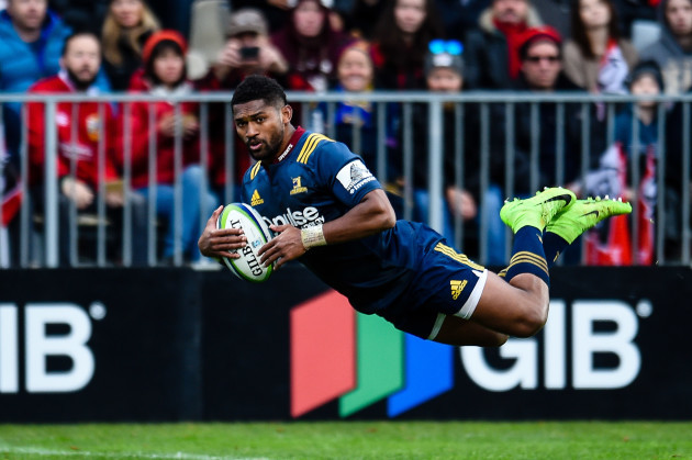 Banks gives Highlanders thrilling win over Lions