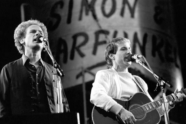 Music - Simon and Garfunkel - Wembley Stadium