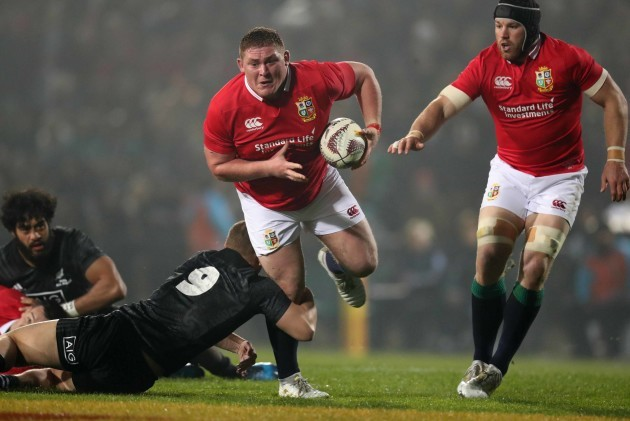Tadhg Furlong tackled by Tawera Kerr-Barlow