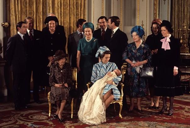 Royal-baby-pictures-kate-middleton-blue-jenny-packham-dress-prince-williams-cambridge-600x428
