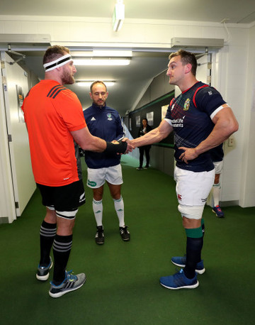 Kieran Read and Sam Warburton with Roman Poite at the coin toss