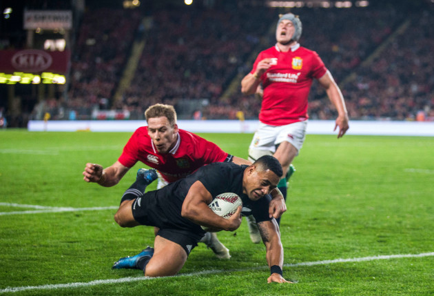 Ngani Laumape scores their first try despite Liam Williams