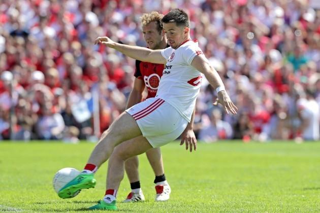 Ronan O'Neill scores a goal