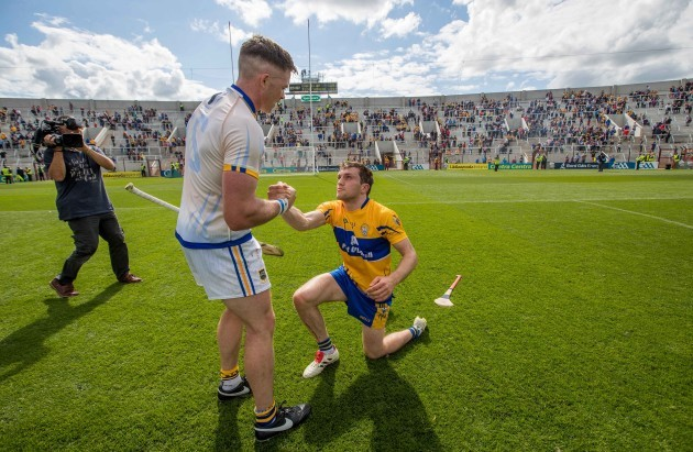 Padraic Maher commiserates with Shane OÕDonnell after the game