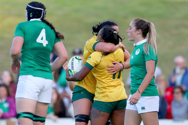 Mahalia Murphy celebrates scoring their first try