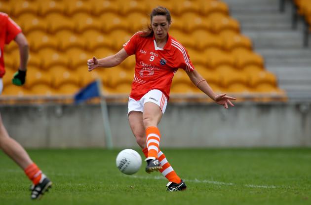Caroline O'Hanlon scores