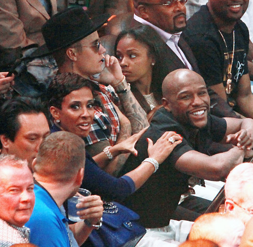 Floyd Mayweather Jr. brands Justin Bieber a 'traitor' after Instagram snub