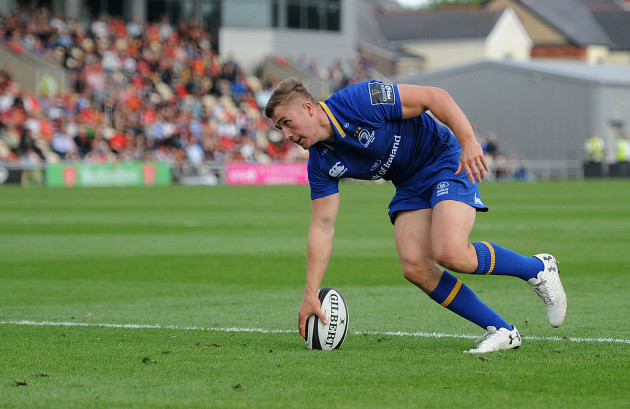 Jordan Larmour scores his side's third try