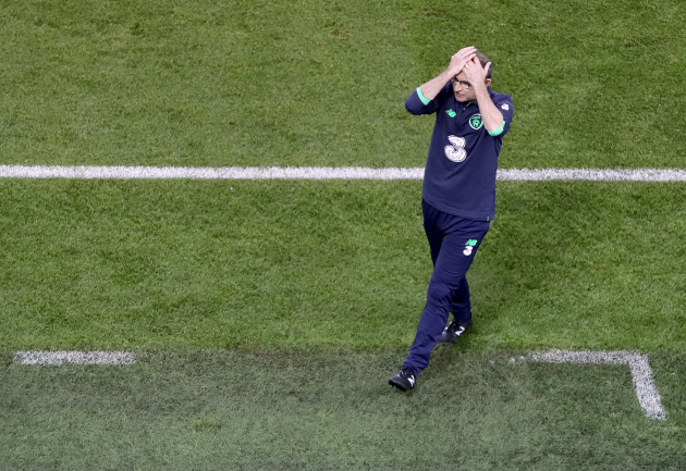 Martin O'Neill reacts after a missed chance