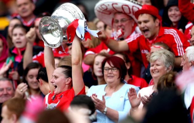 Aoife Murray lifts the O'Duffy cup