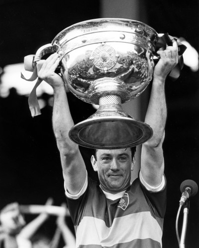 Tommy Doyle lifts Sam Maguire 1986