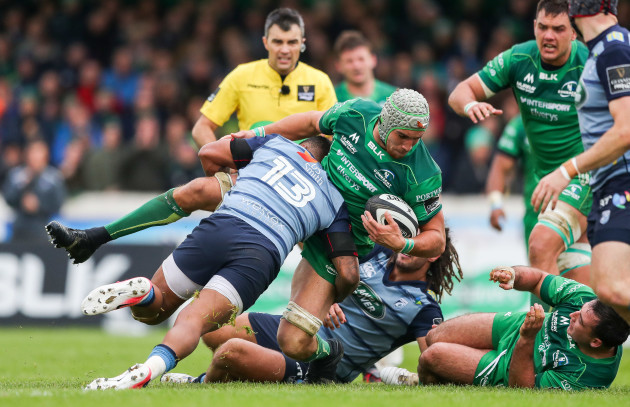 Ultan Dillane tackled by Rey Lee-Lo