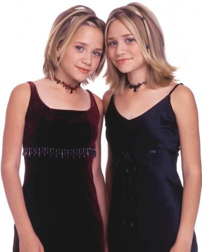 Mary-Kate-Olsen-Ashley-Olsen-dressed-up-velvet-launch
