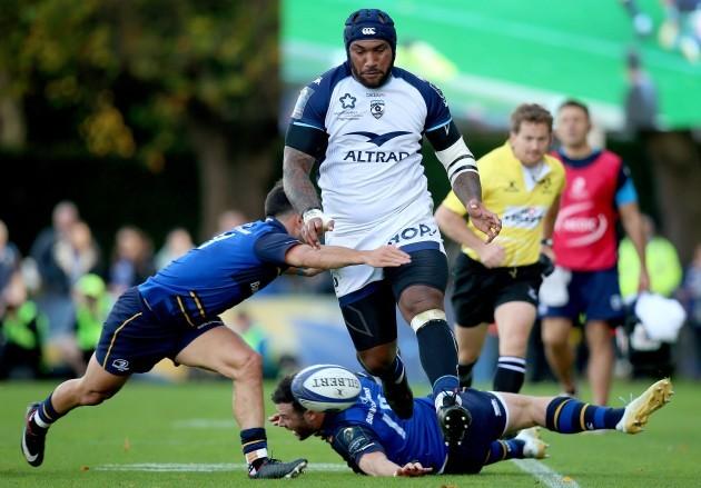 Jamison Gibson-Park tackles Nemani Nadolo