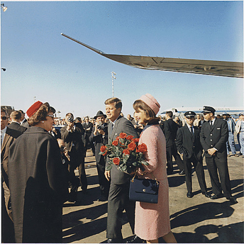 KENNEDYS ARRIVE IN DALLAS - NOVEMBER 22, 1963