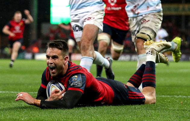 Conor Murray scores his sides first try