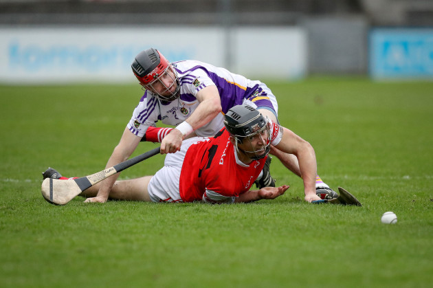 Mark Schutte is tackled by Niall Corcoran