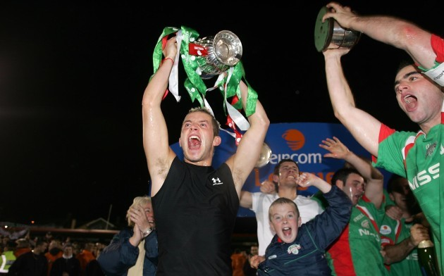 John O'Flynn celebrates with the Eircom League Trophy