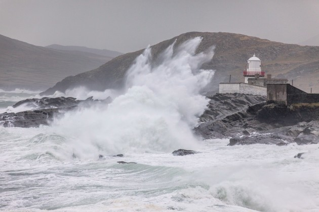 Valentia - Lighthouse in storm