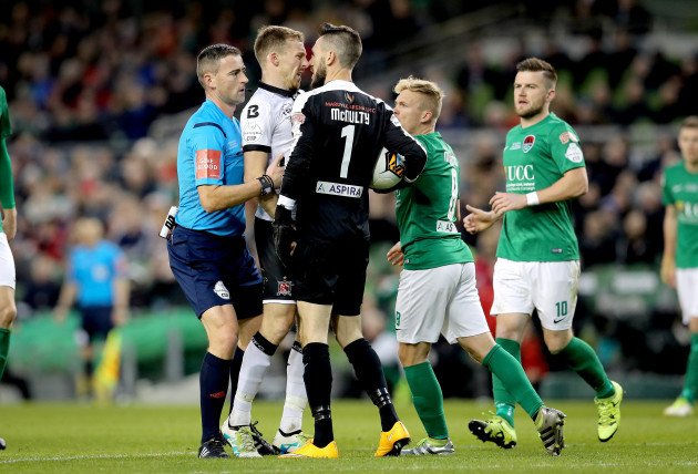 David McMillan clashes with Mark McNulty
