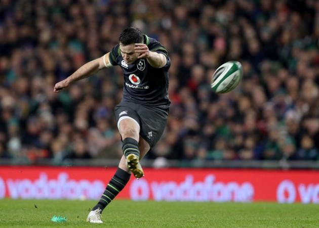 Johnny Sexton kicks a penalty