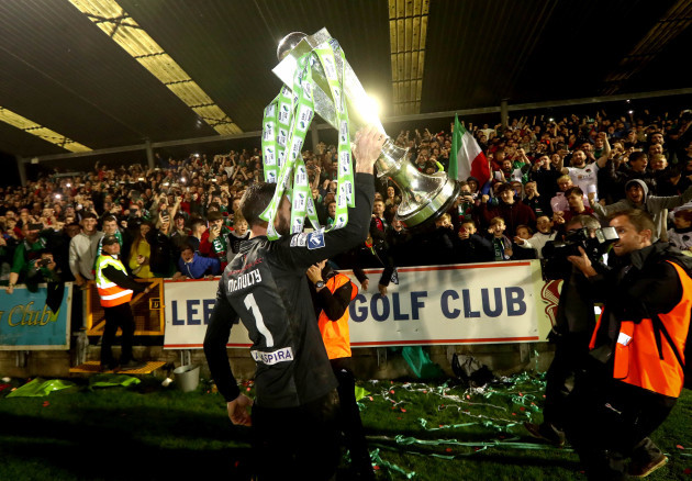 Mark McNulty celebrates winning The SSE Airtricity League