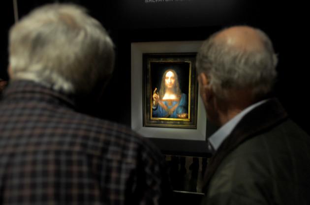 Leonardo Da Vinci Salvator Mundi Smashes Records With $450.3 Million Sale