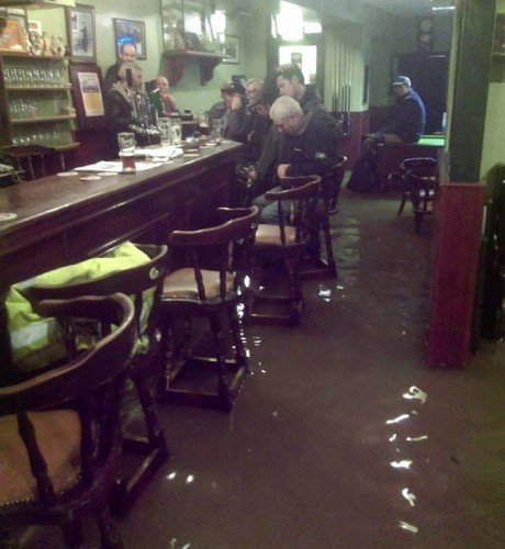 Army mobilised to assist in evacuation after flooding in Laois