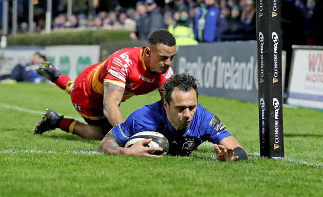 Isa Nacewa scores his sides fifth try