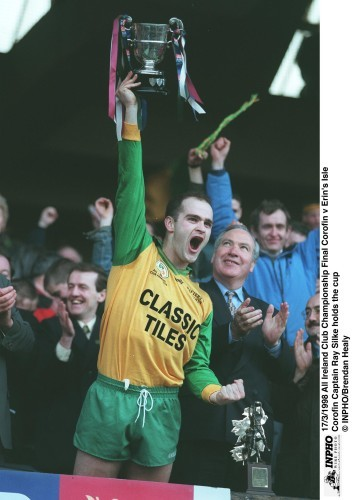 Corofin Captain Ray Silke holds the cup 17/3/1998