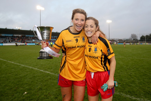 Julie Kavanagh and Dee Blayney celebrate with the cup after the game