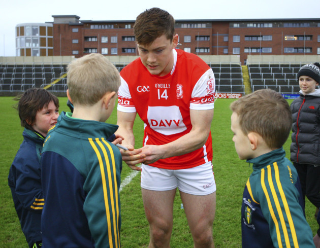 Cuala's Con O'Callaghan signs autographs