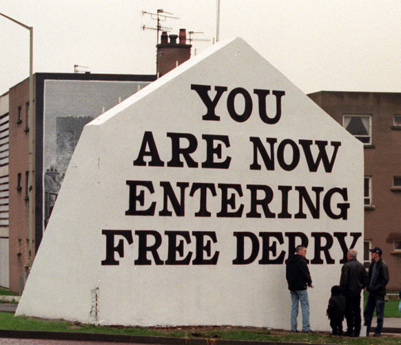 Poster/Free Derry Corner