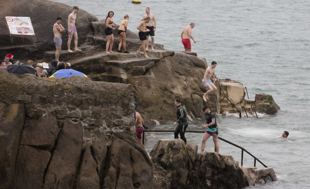 FORTY FOOT XMAS SWIM 758A2725_90532928
