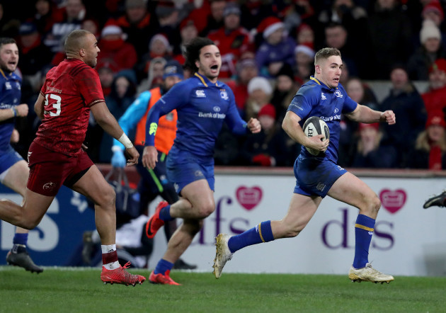 Jordan Larmour breaks to score a try